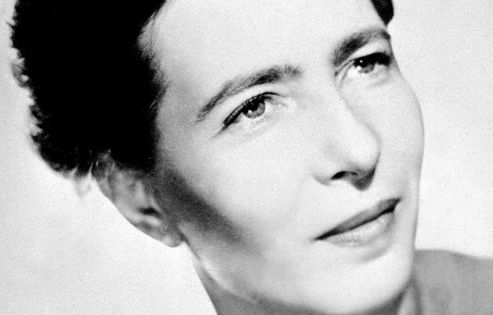 Portrait non daté de l'écrivaine Simone de Beauvoir