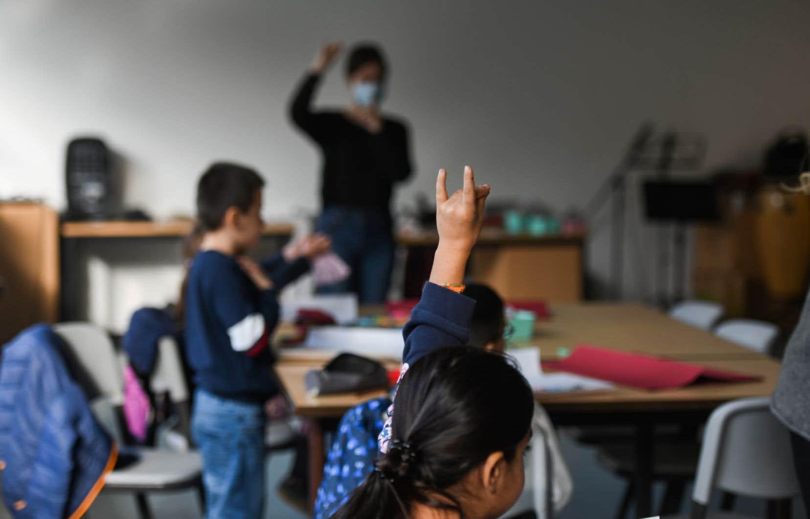 «Il est clair qu'il n'y aura pas de prolongation du calendrier scolaire. Les profs en font déjà assez. Ils sont exténués», souligne le président de la FAE, Sylvain Mallette.