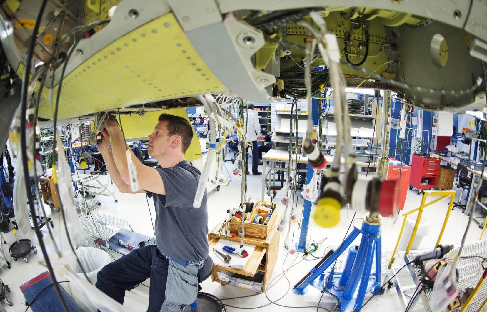 Des sommes sont prévues pour des secteurs touchés et «présentant des occasions de développement importantes», comme le secteur de l'aérospatiale.