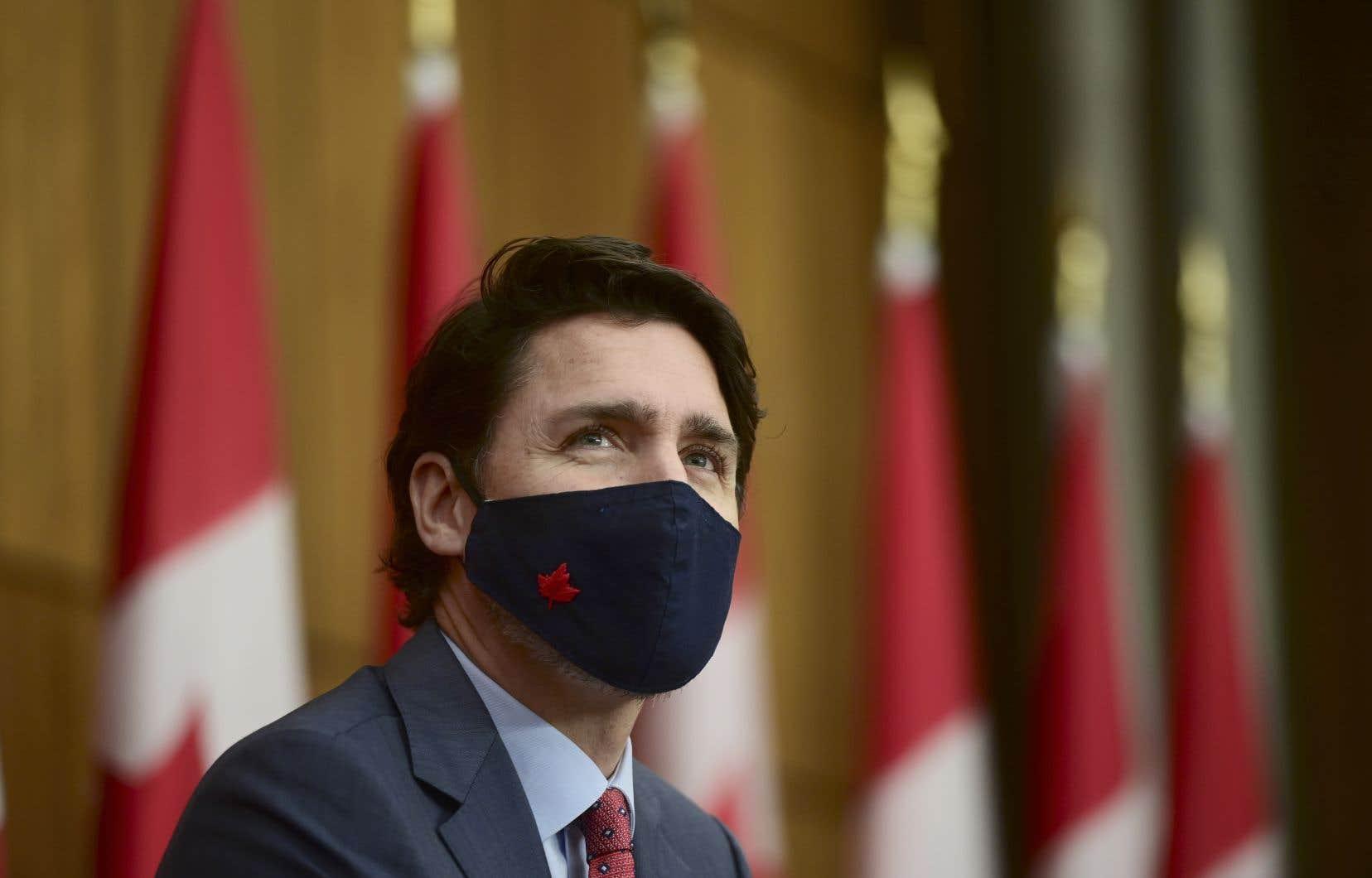 La quantité de personnel de la Croix-Rouge est limitée tout comme le nombre de téléphonistes fédéraux pouvant épauler les provinces pour faire de la recherche de contacts, a expliqué Justin Trudeau, vendredi.