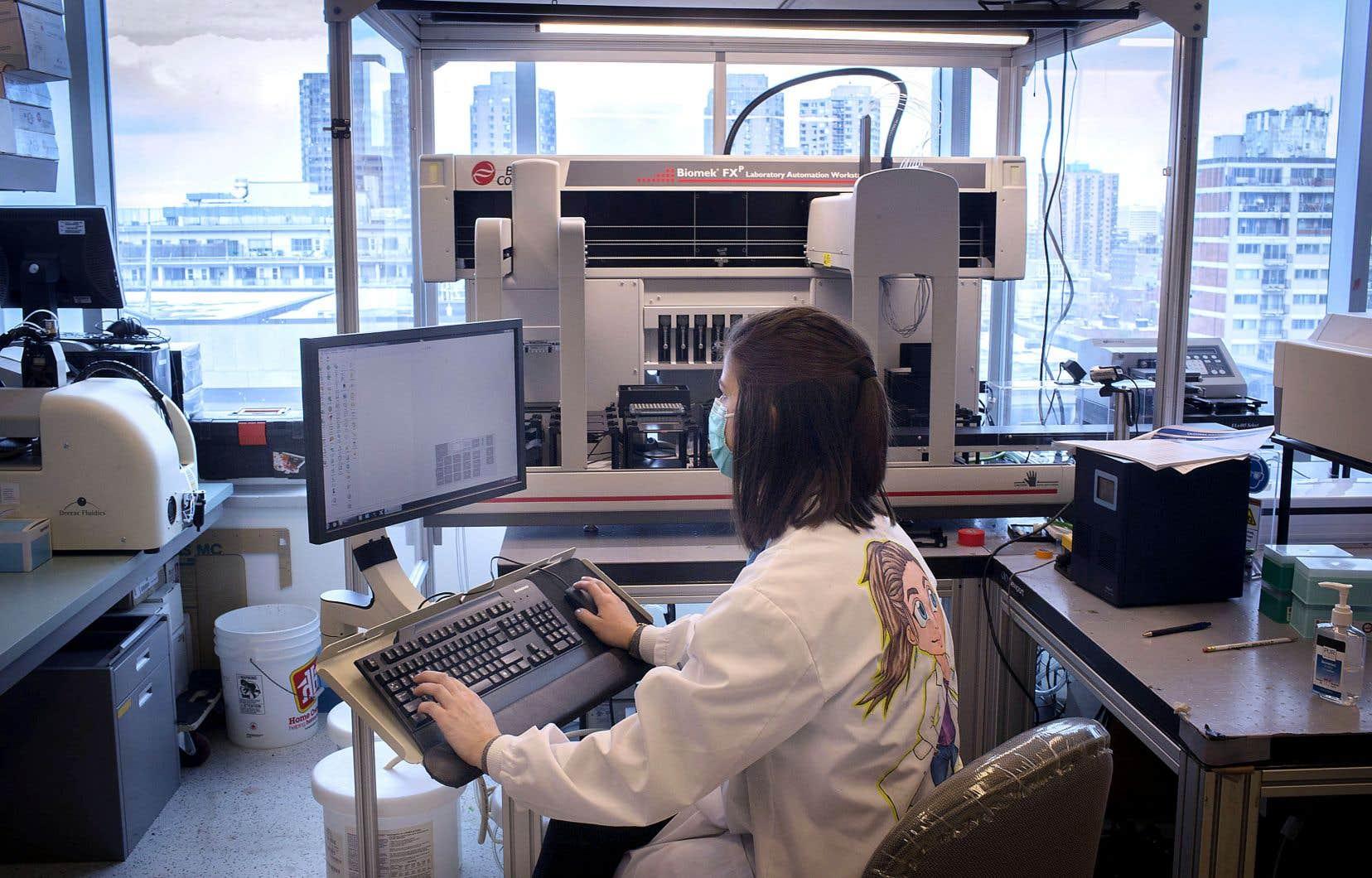 Environ sept mois après son lancement, la biobanque québécoise de la COVID-19 contient les échantillons d'environ 1500 participants. Ils sont stockés dans neuf hôpitaux de la province ainsi qu'au Centre du génome de l'Université McGill, à Montréal (sur la photo).