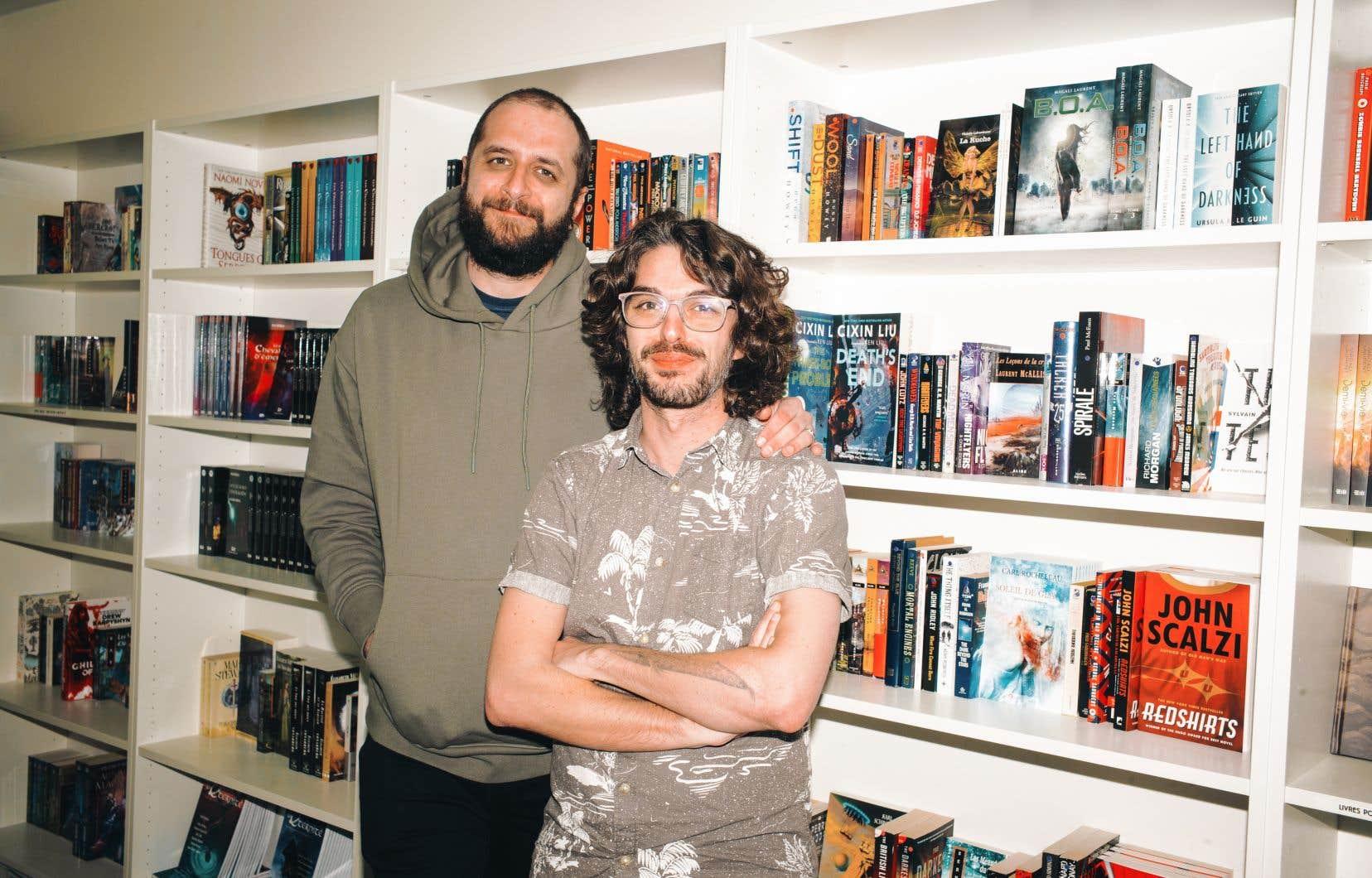 Ilya Razykov  et Mathieu  Lauzon-Dicso, copropriétaires  de Saga,  une librairie  spécialisée en science-fiction et autres  littératures  de genre