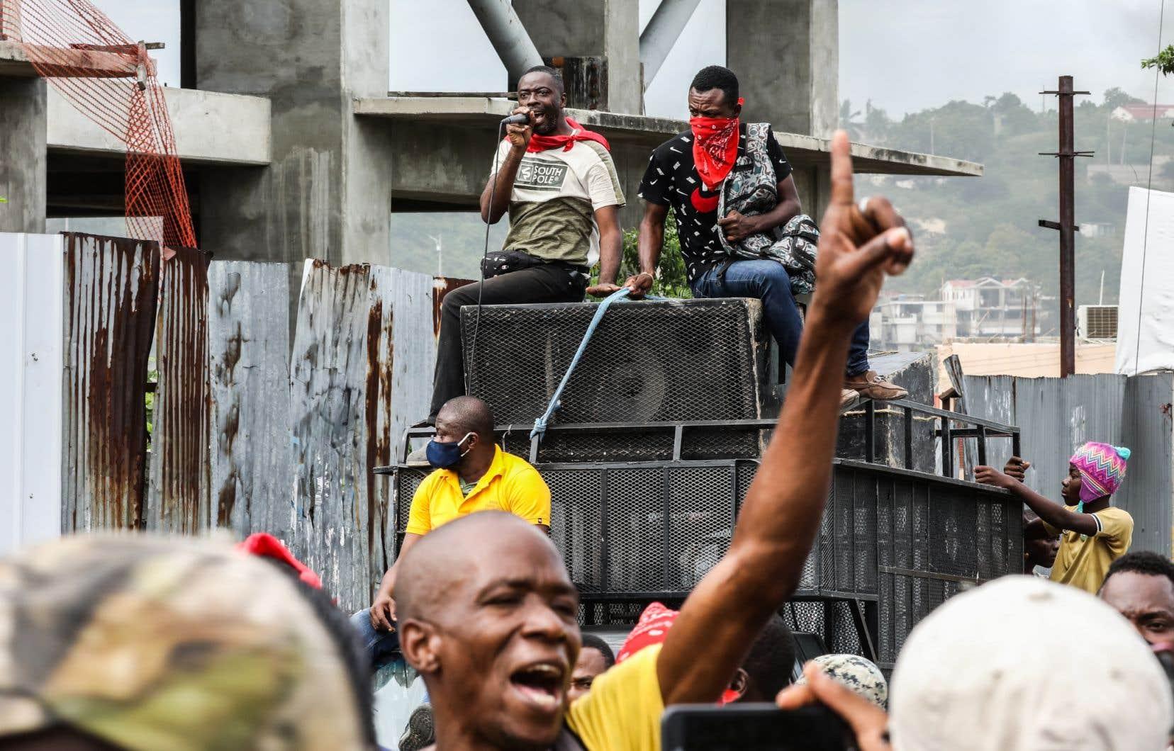 Plusieurs centaines de personnes ont dénoncé dans les rues de Port-au-Prince mercredi l'insécurité qui gangrène le pays.