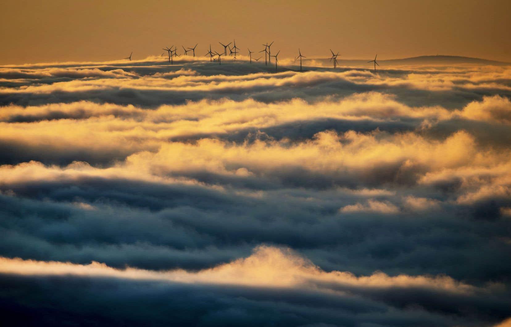 Le Québec compte 1900 éoliennes pour une puissance installée de 3900 MW.