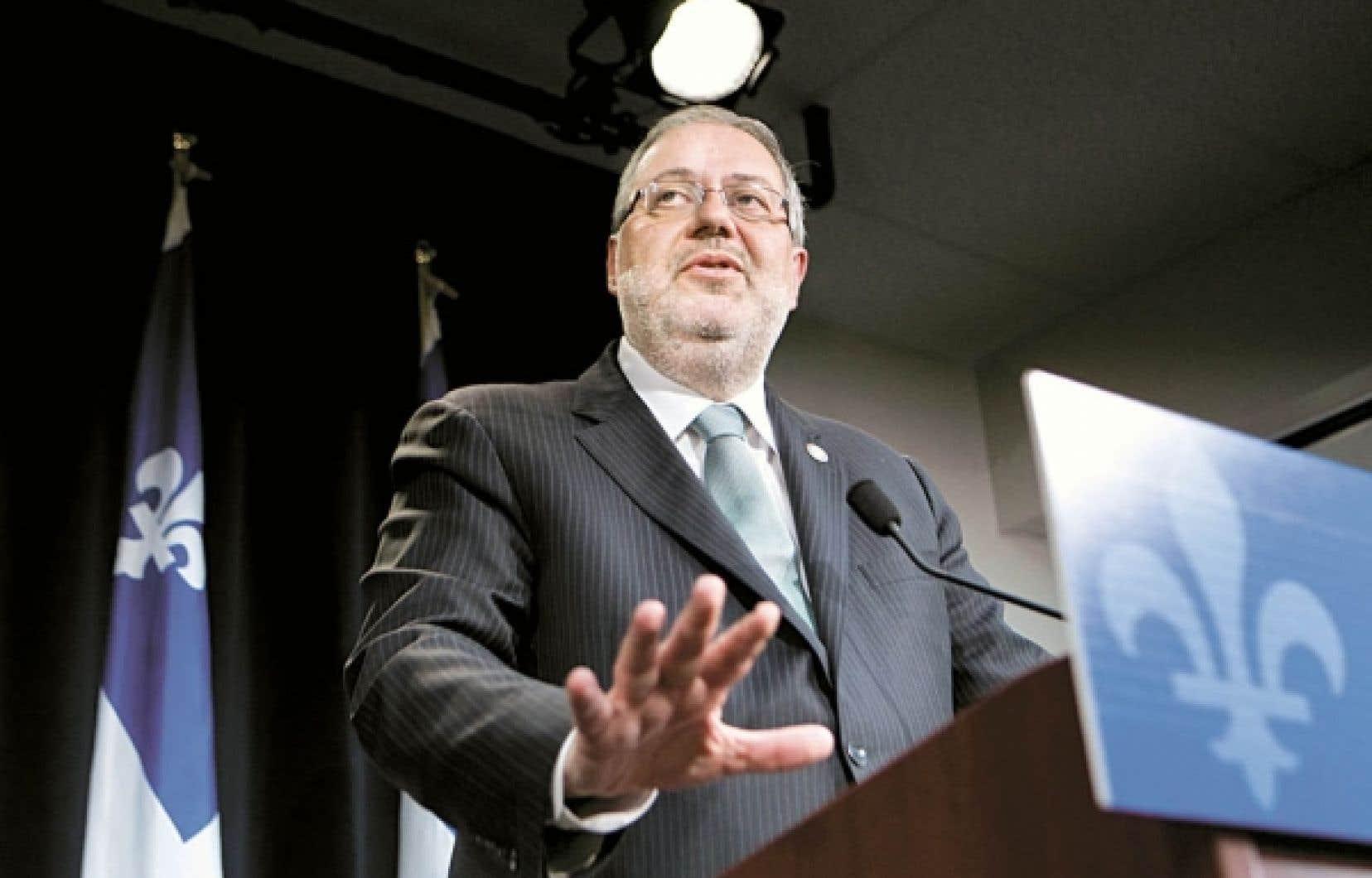 Le ministre Pierre Arcand a déclaré hier à Montréal que le gouvernement acceptait «la plupart» des «avis» formulés par le BAPE au sujet des gaz de schiste.<br />