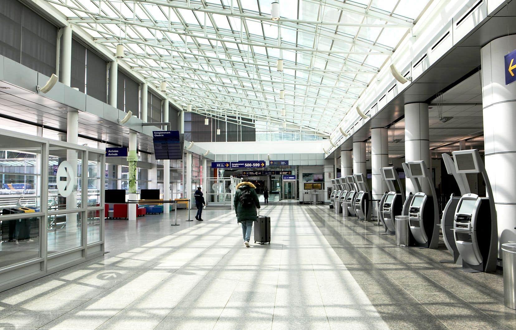 Le volume de passagers en octobre 2020 était de 85,5% inférieur à celui d'octobre 2019, indique le Conseil des aéroports du Canada.