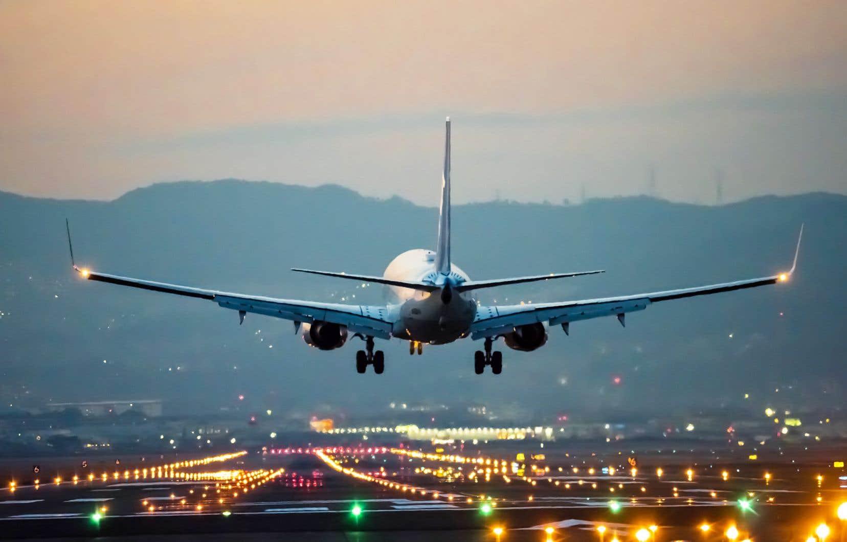 Selon les plus récentes prévisions de l'IATA, les pertes nettes du secteur totalisent 157milliards de dollars cette année et en 2021 — un portrait qui s'est assombri par rapport à ses prévisions de juin qui tablaient sur un manque à gagner de 100milliards.