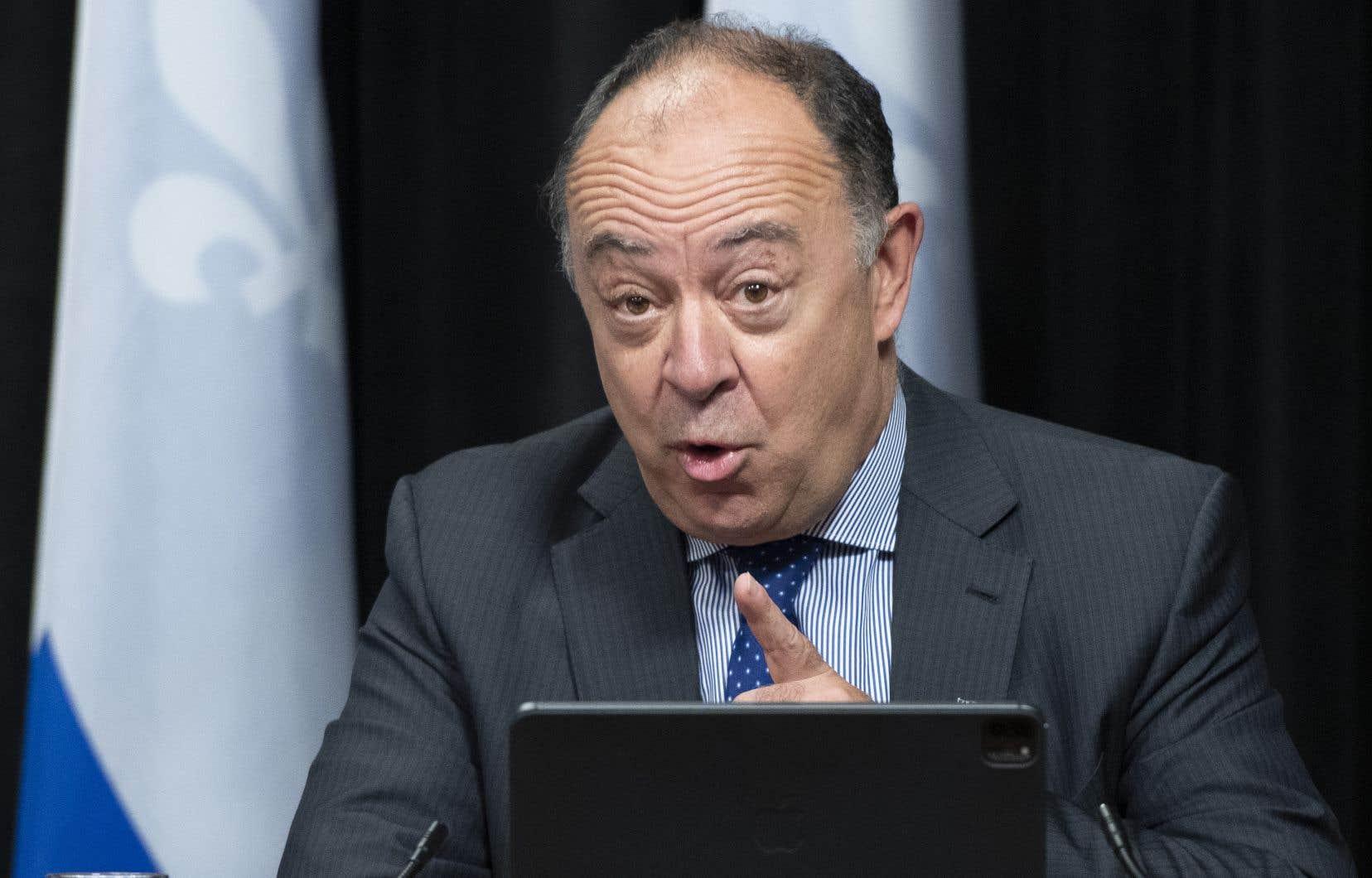 Le ministre de la Santé, Christian Dubé, a été informé de la directive il y a «quelques jours», selon son attaché de presse. Et ce, même si la directive est restée en vigueur jusqu'au 21septembre, soit trois mois après son arrivée en poste.