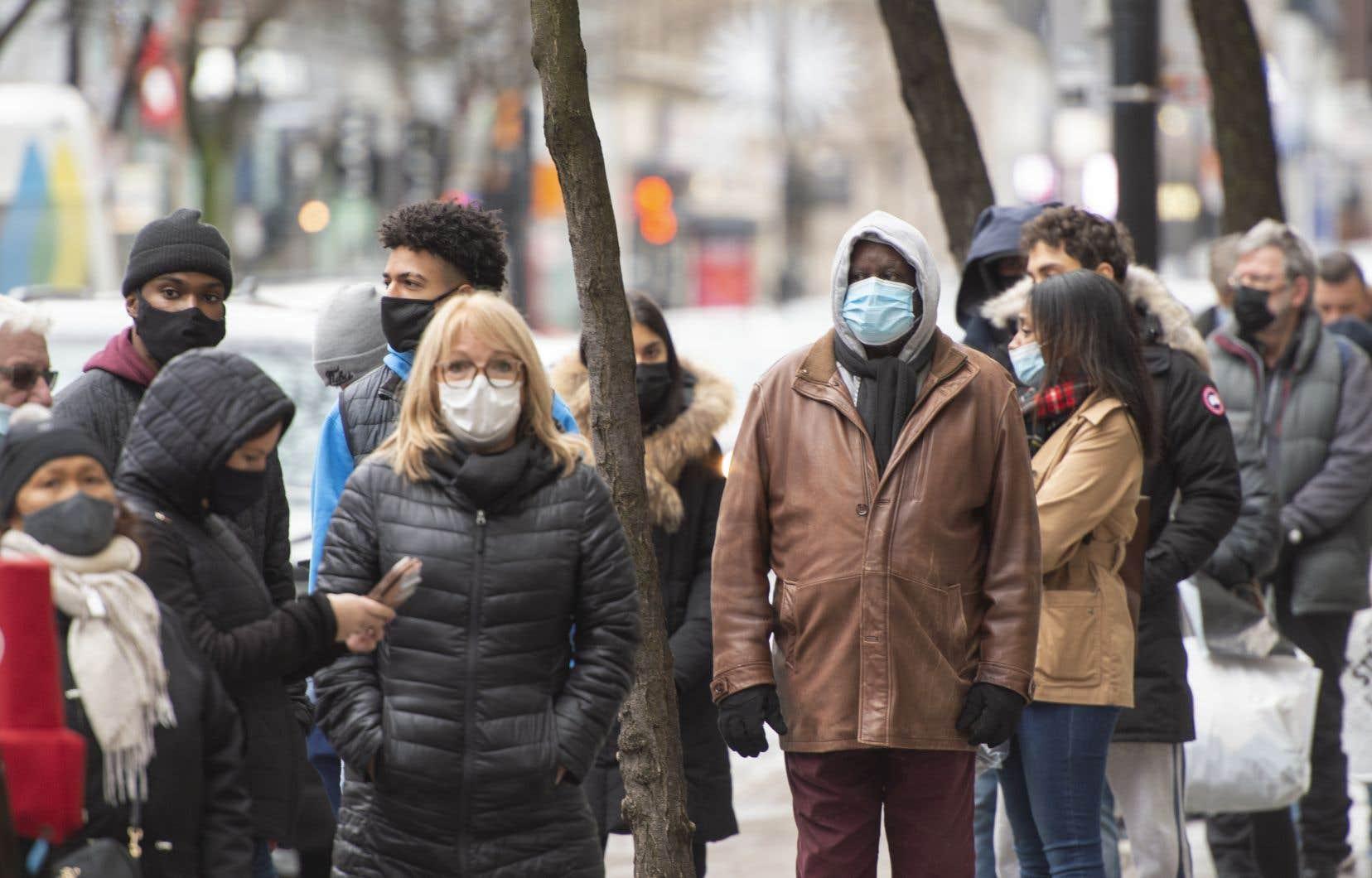 Les autorités montréalaises s'inquiètent déjà de la pression que les Fêtes exerceront sur le système de santé.