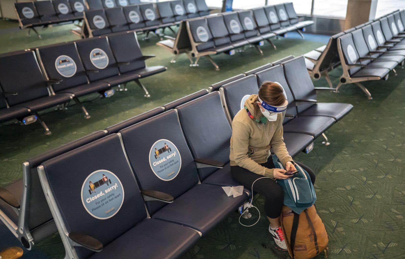 Certains aéroports américains, comme celui de Portland, en Oregon, étaient quasi déserts.