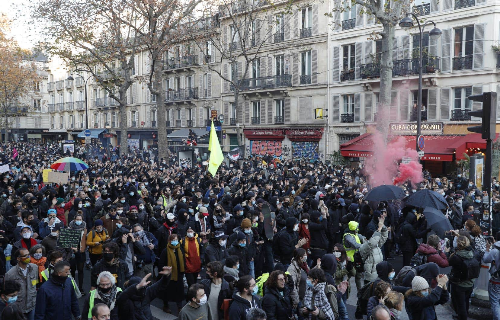 Les Français dans la rue contre un projet de loi sécuritaire