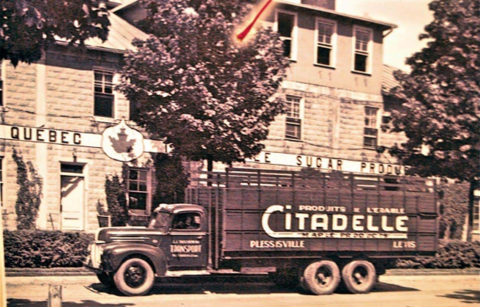 Photo d&rsquo;archives montrant un camion de livraison de Citadelle, la coop&eacute;rative de producteurs de sirop d&#39;&eacute;rable de Plessisville. <br />