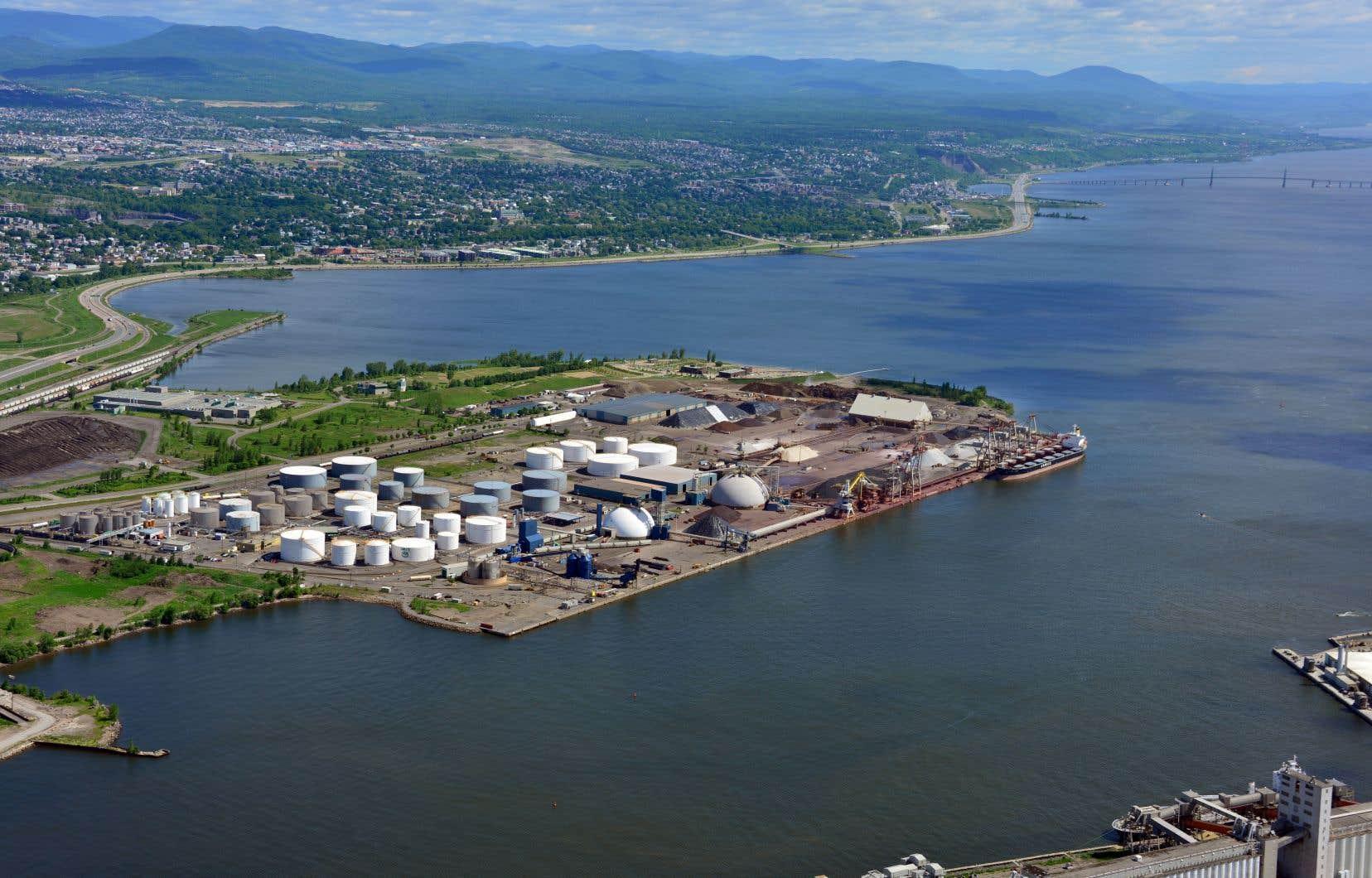 Laurentia est un projet d'agrandissement de plusieurs centaines de millions de dollars visant à positionner Québec comme un leader dans le transbordement de conteneurs.