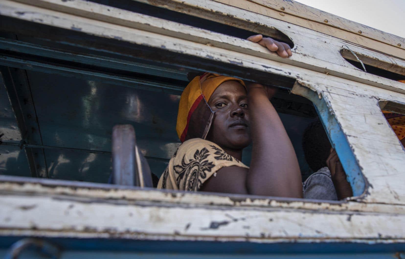 Quatre semaines de combats ont poussé quelque 45500 personnes à fuir au Soudan voisin et ont déplacé un nombre indéterminé d'hommes femmes et d'enfants à l'intérieur du Tigré.