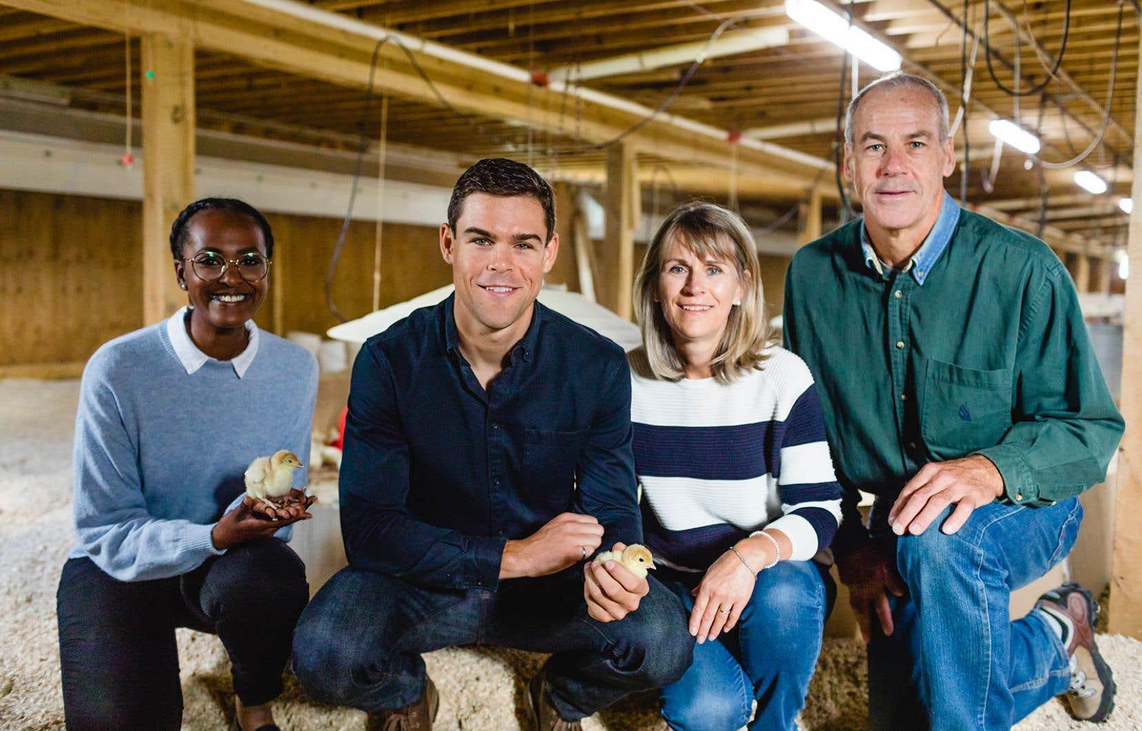 L'élevage de dindons, ils en font une affaire de famille! De gauche à droite, Werda Saeed, Lucas McCartney, Cathy Shannon et Kurt McCartney.