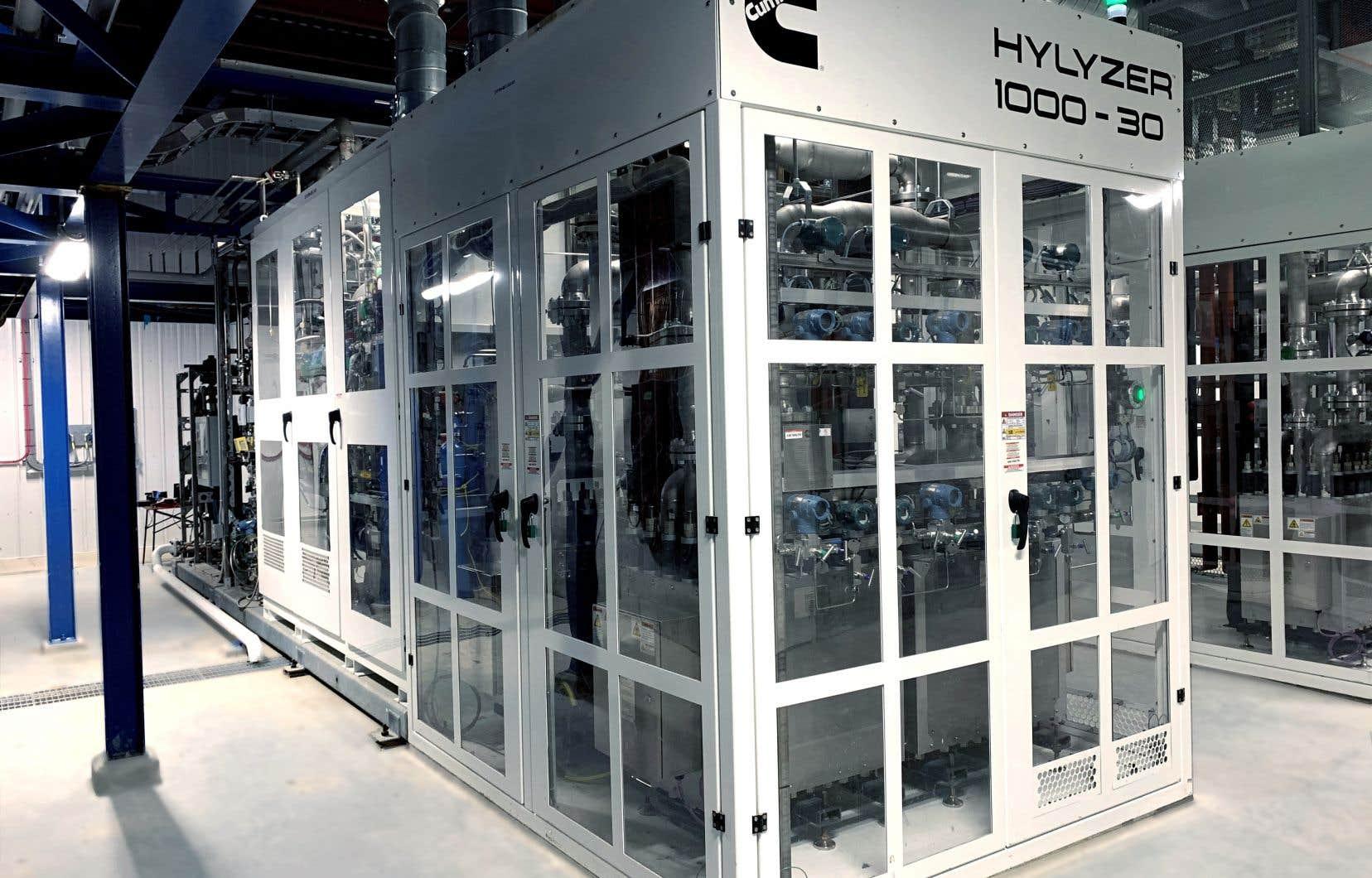 L'électrolyseur à membranes échangeuses  de protons (PEM) de Cummins permet d'ajuster rapidement  la production d'hydrogène vert en fonction des fluctuations de courant  électrique  propres aux énergies  renouvelables.