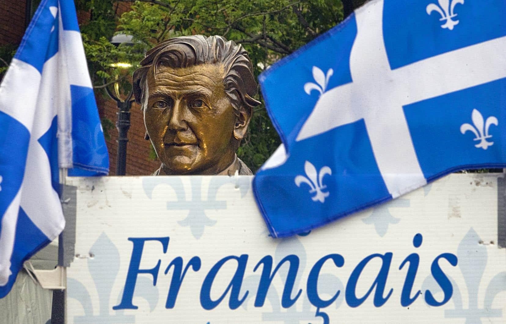 «Défendre la langue française au Québec, c'est vouloir défendre une langue commune, un espace de partage, un trait d'union», estiment les auteurs.