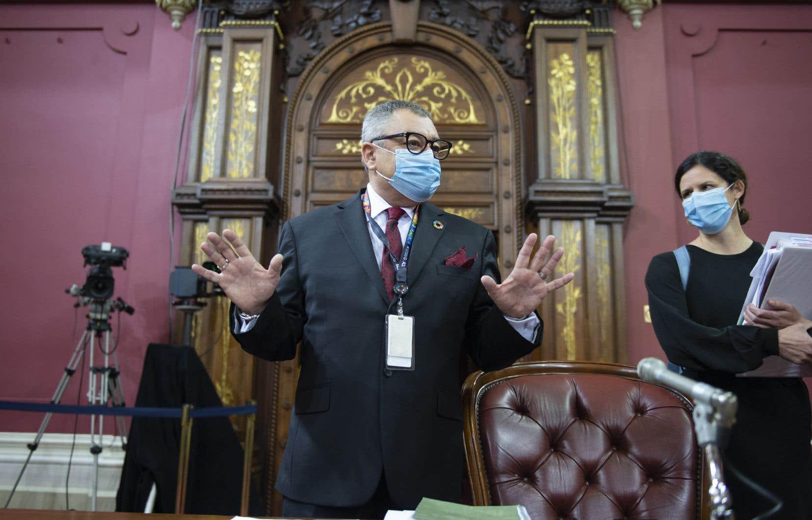 Le directeur national de santé publique, le DrHoracio Arruda,a répondu aux questions des parlementaires mercredi.