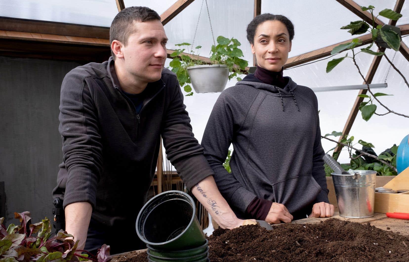 Antoine (Guillaume Laurin) et Rachel (Marie-Evelyne Lessard), qui se rencontrent dans un camp de survivalistes isolé, seront soumis à de rudes épreuves, dans «Jusqu'au déclin». Le film de Patrice Laliberté a été vu 21 millions de fois en 28 jours seulement, sur Netflix.