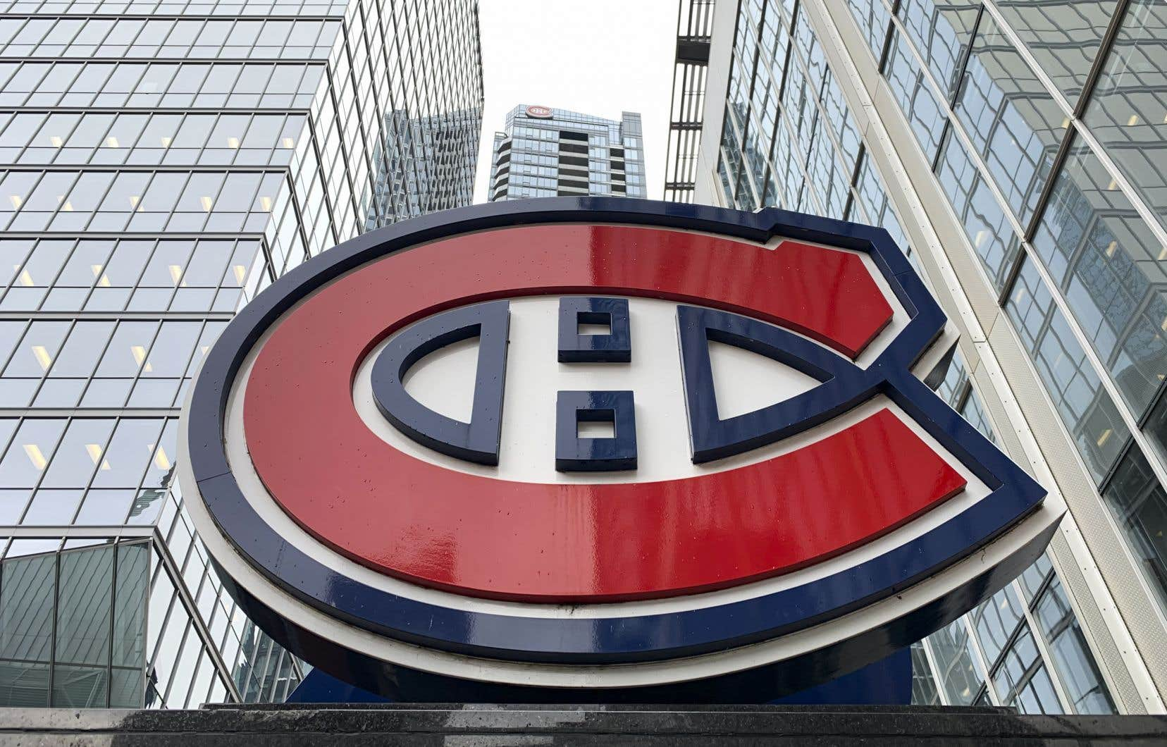 <p>Le Canadien de Montréal, avecles Rangers de New York, les Maple Leafs de Toronto,les Blackhawks de Chicagoet les Bruins de Boston, fait partie des cinq clubsresponsables du quart des revenus de la LNH.</p>