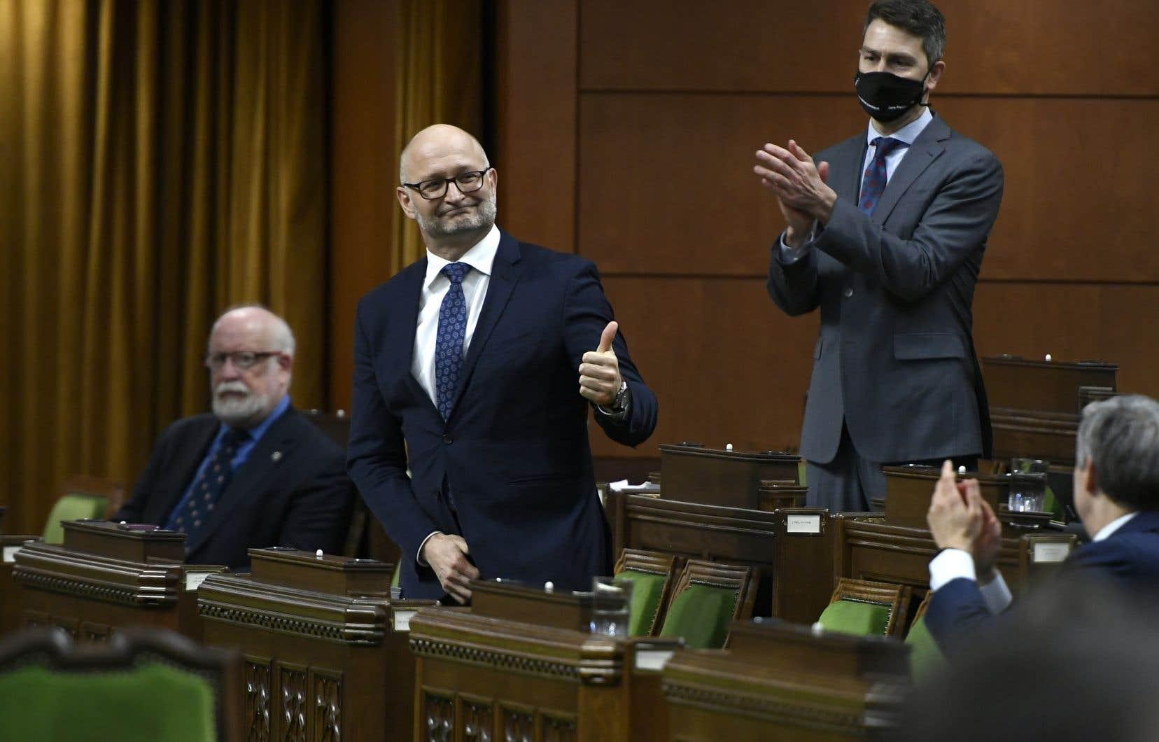 Le projet de loi C-7, déposé par le ministre fédéral de la Justice, David Lametti, a été adopté par la marque de 212 voix pour et 107 voix contre.