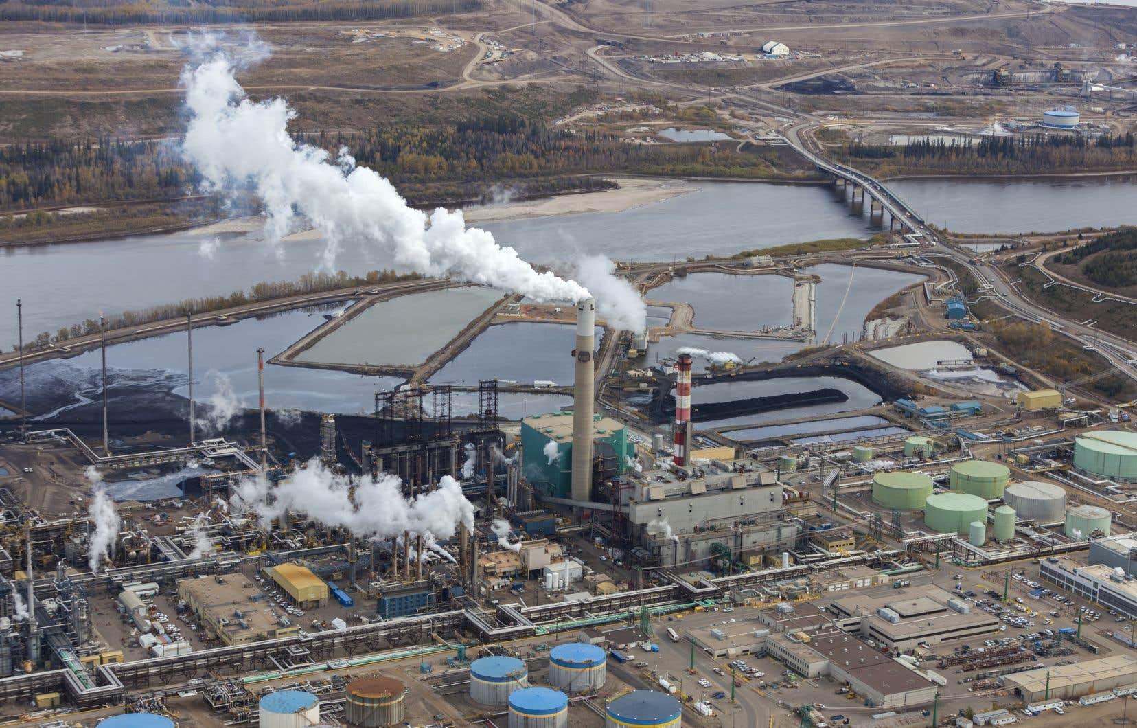 En Alberta, le pétrole demeure un secteur au pouvoir d'influence très important.