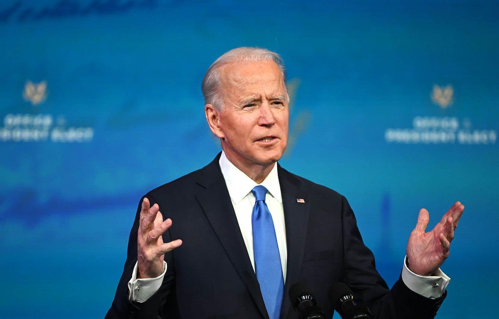 Les élus de certains États pivots qui ont causé la surprise en votant pour Joe Biden en novembre avaient reçu des menaces, en vue du vote du collège électoral de lundi. Sur la photo, le président désigné, Joe BIden, lors d'un discours, peu après que les derniers grands électeurs des États se furent prononcés.