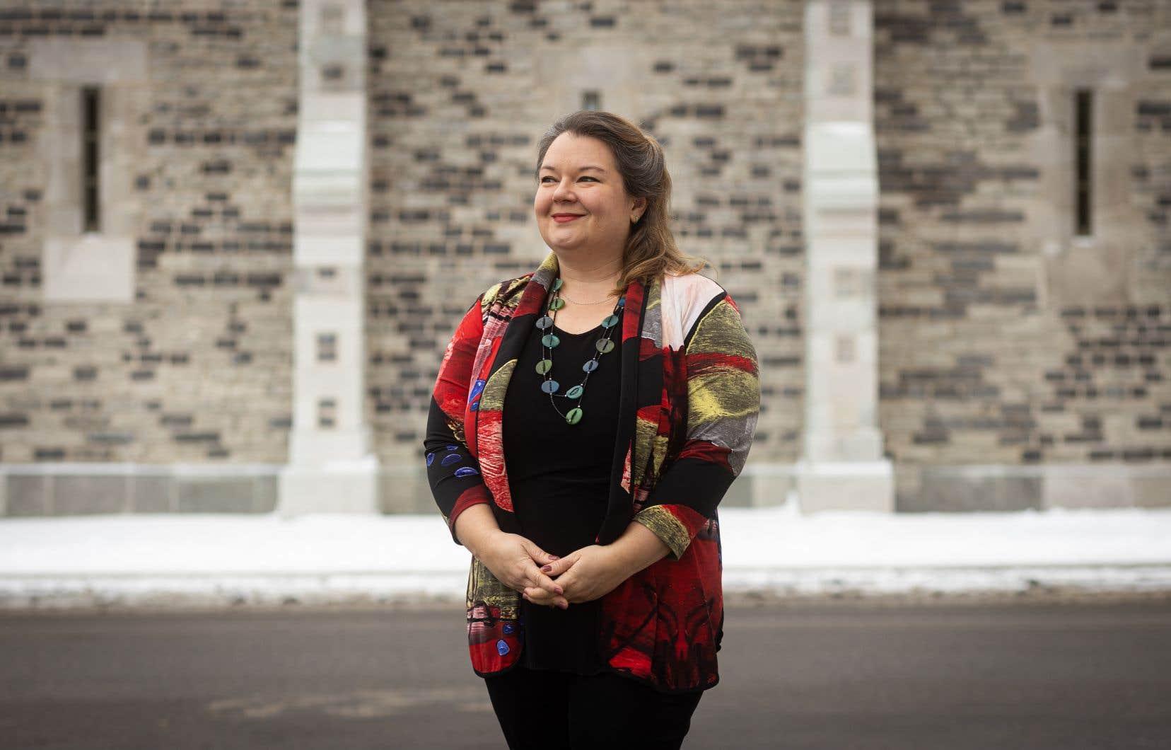 L'historienne Catherine Ferland a épluché des journaux et moult documents d'époque pour fournir son livre.