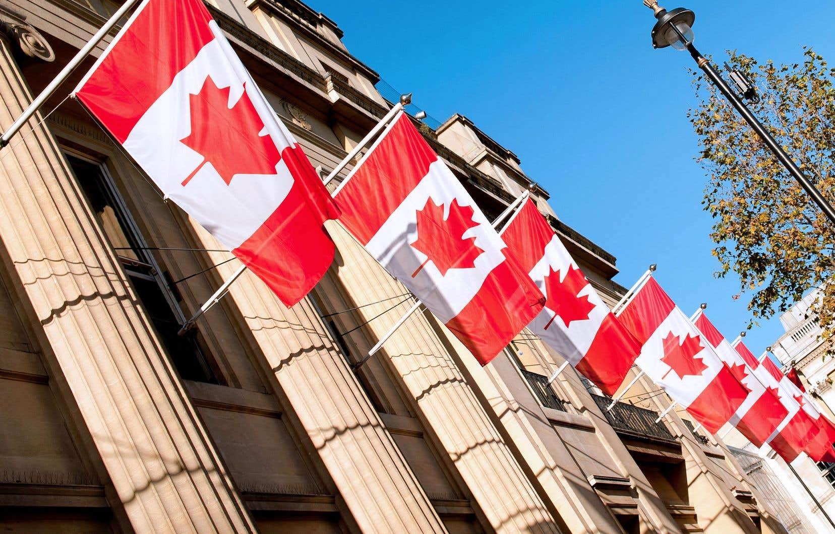 Seule la maîtrise de l'anglais est exigée pour le travail dans 130 missions diplomatiques canadiennes, soit 80% des bureaux du pays à l'étranger.