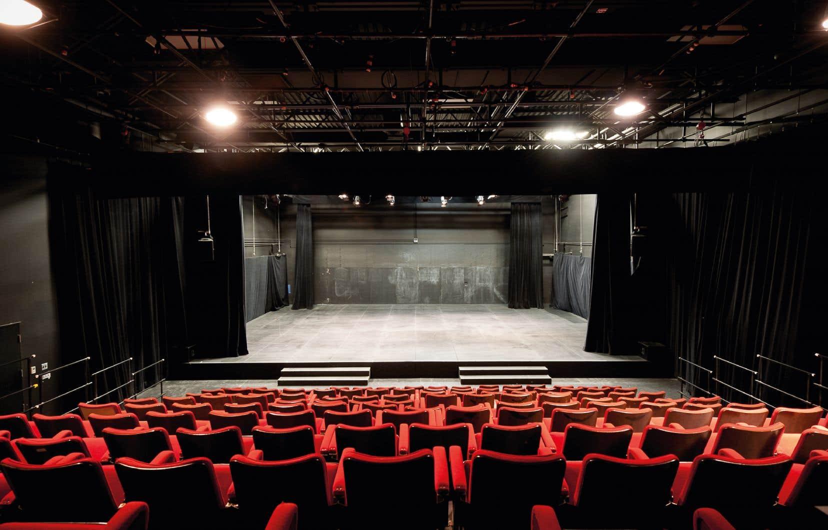 L'une des salles de spectacle désertes du théâtre Aux Écuries