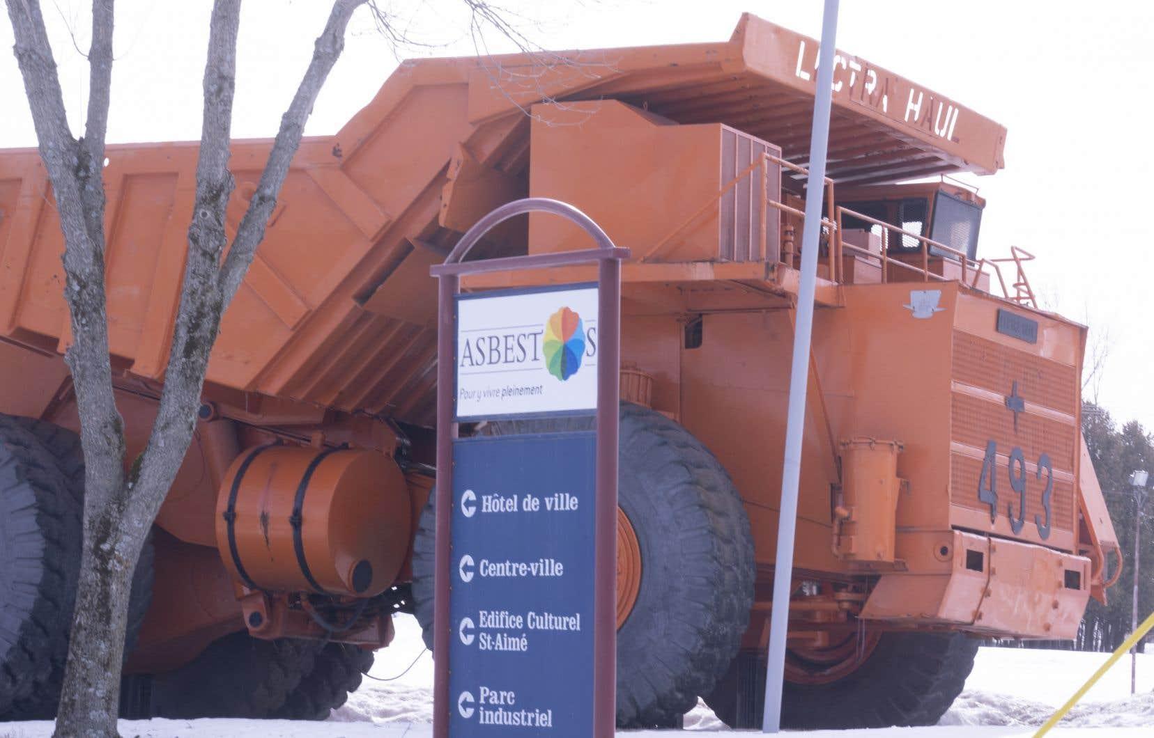 Du côté de la nouvelle Ville de Val-des-Sources, la transformation visuelle des panneaux d'affichages va débuter en janvier.