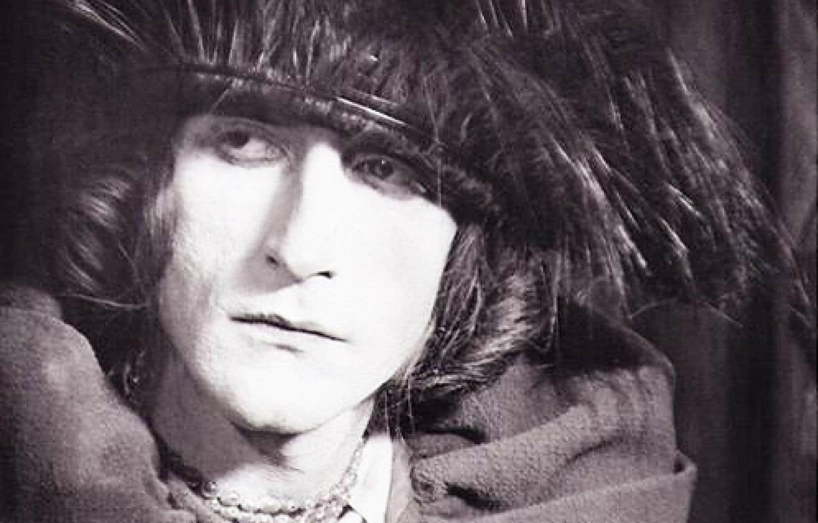 Portrait de Marcel Duchamp en Rrose Sélavy (1921)