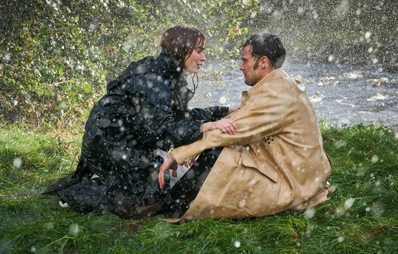 La pourtant excellente Emily Blunt (Rosemary) semble chercher ses repères face à un Jamie Dornan (Anthony) qui, lui, joue dans le ton exagéré requis.