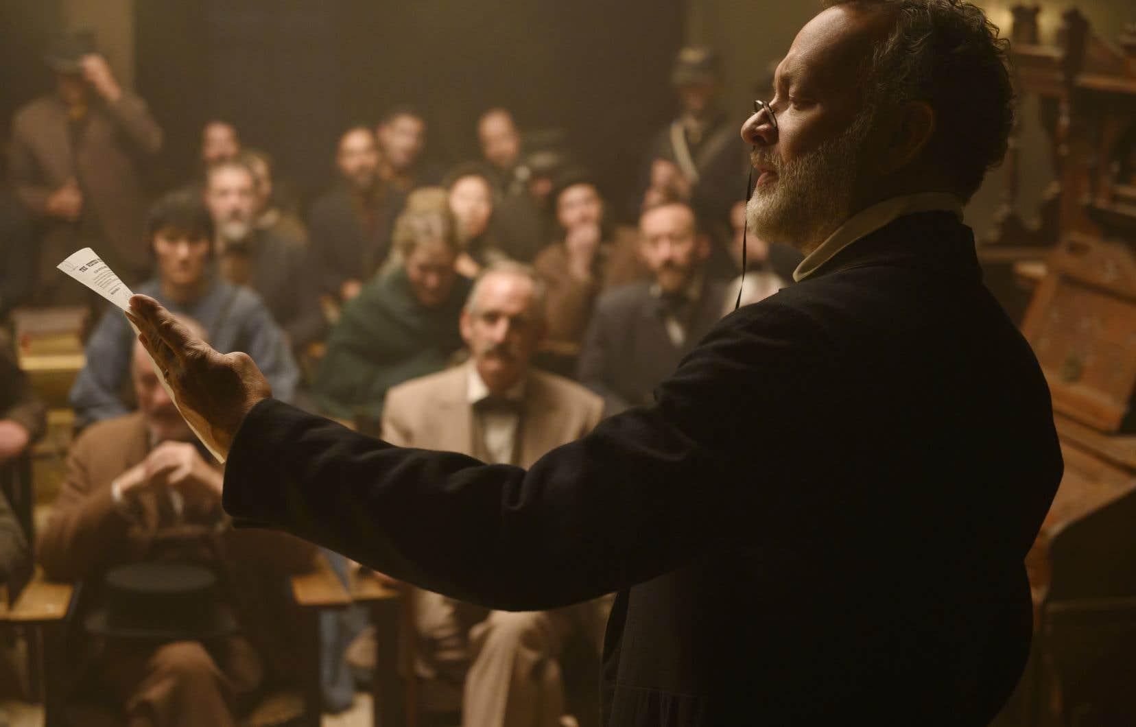 À maints égards, Tom Hanks, dans le rôle de Jefferson Kyle Kidd, joue Tom Hanks dans «News of the World». Et ce n'est pas plus mal.