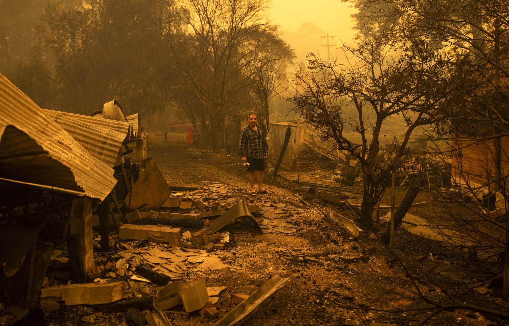 Un grand nombre de ces catastrophes ont causé des dégâts d'au moins 5 milliards de dollars, comme les incendies qui ont ravagé l'Australie en janvier dernier