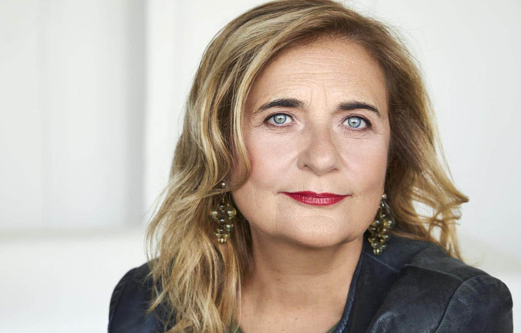 Nathalie Petrowski à la barre du documentaire «Touche pas à ma culture?» à Télé-Québec