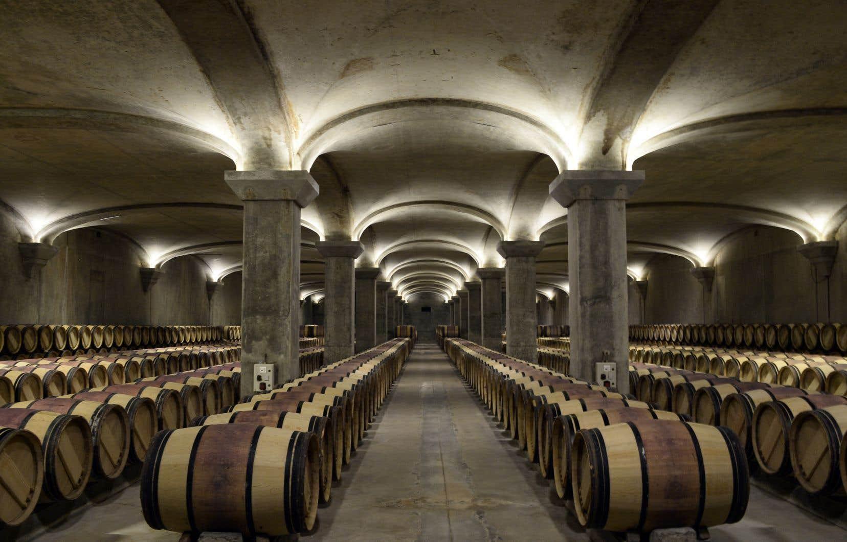 Il y a dans les très grands vins quelque chose qui transcende les mots. Un peu comme un paysage dont aucune photo ne traduit vraiment la splendeur.