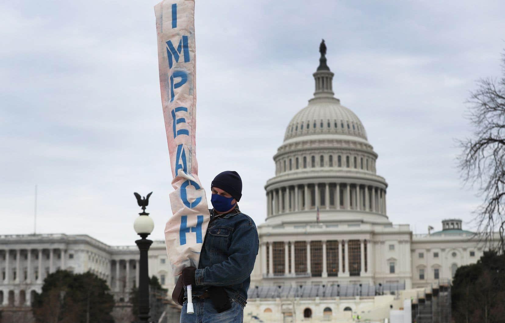 Un groupe d'élus démocrates à la Chambre des représentants, contrôlée par leur parti, se préparaient à présenter des articles d'«impeachment».