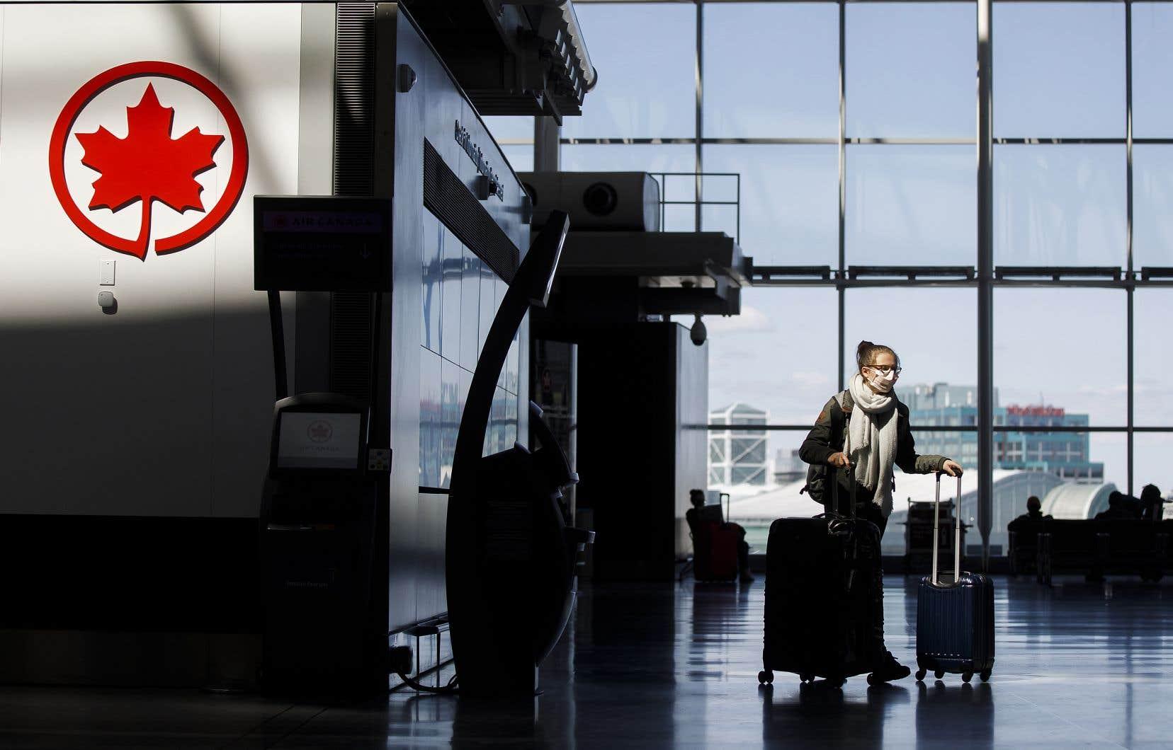 Air Canada a annoncé une réduction de 25% de sa capacité prévue pour les trois premiers mois de l'année.