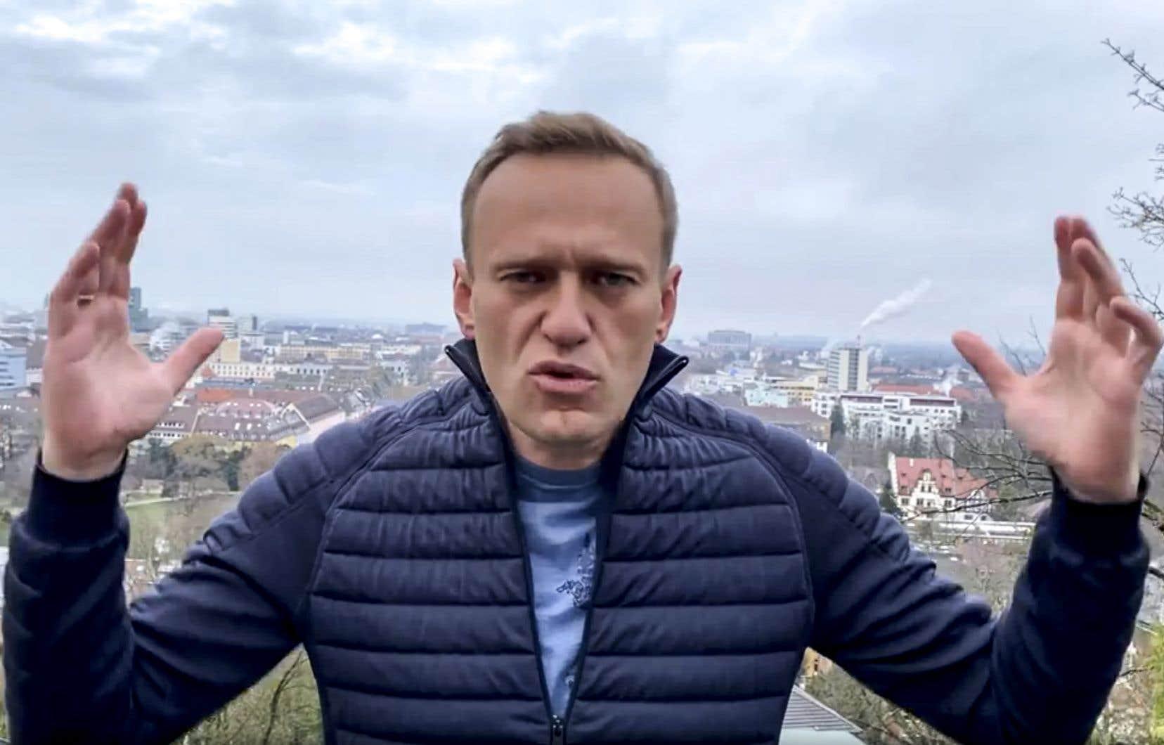 Alexeï Navalnya annoncé son intention de revenir en Russie dimanche, malgré les menaces des services pénitentiaires russes qui assurent qu'il est recherché depuis fin décembre et risque l'emprisonnement.