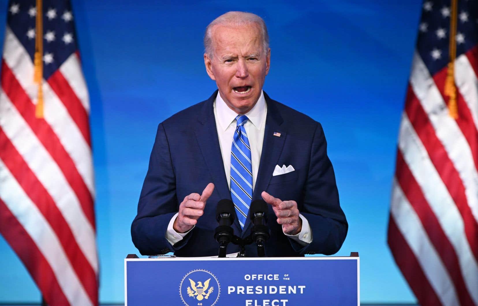 Joe Biden veut accélérer le rythme des tests et vaccinations contre la COVID-19, pour permettre à l'activité de reprendre.