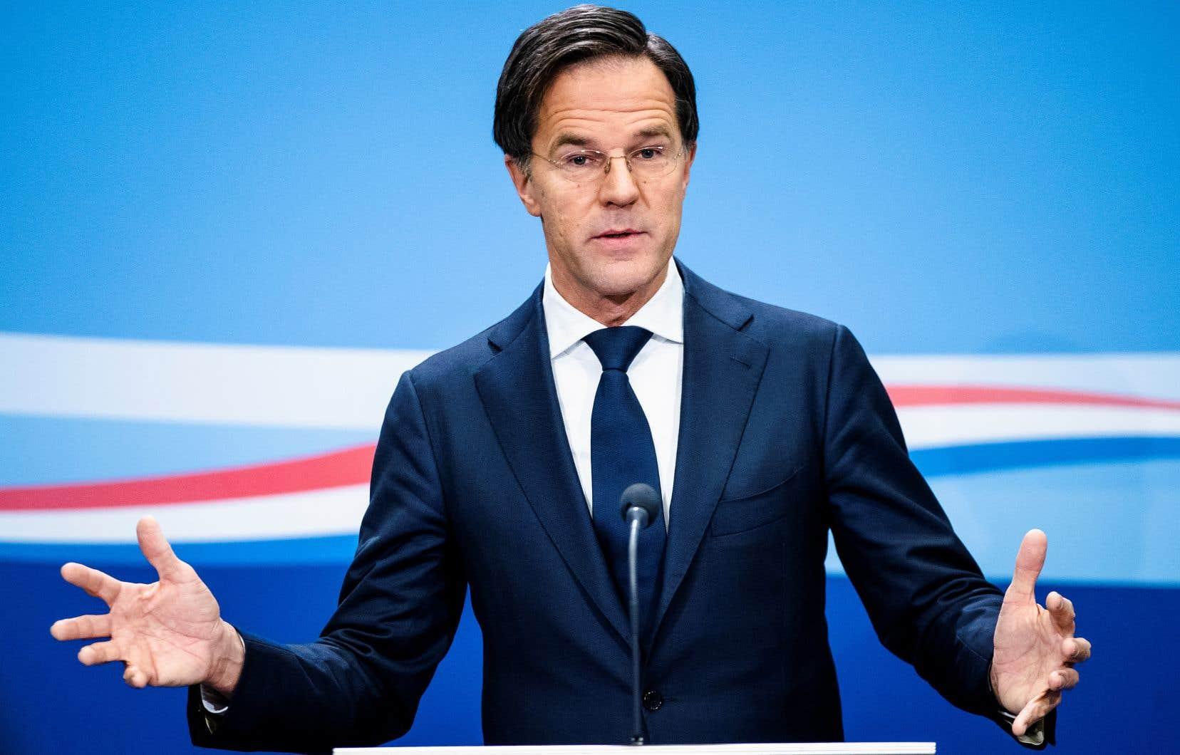 <p>Le premier ministre Mark Rutte doit annoncer la nouvelle lors d'une conférence de presse, à deux mois des élections législatives et en pleine crise sanitaire.</p>
