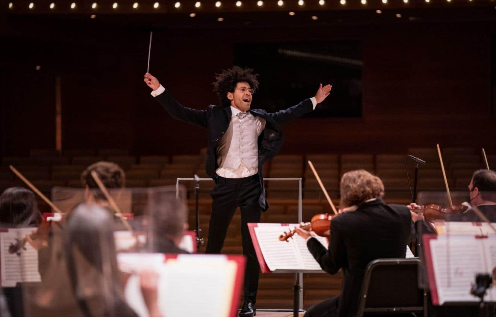 Le chef Rafael Payare et le pianiste québécois Charles Richard-Hamelin ont choisi Mozart, et plus particulièrement le <i>24<sup>e</sup>Concerto pour piano</i>, pour le second concert de l'orchestre en webdiffusion.