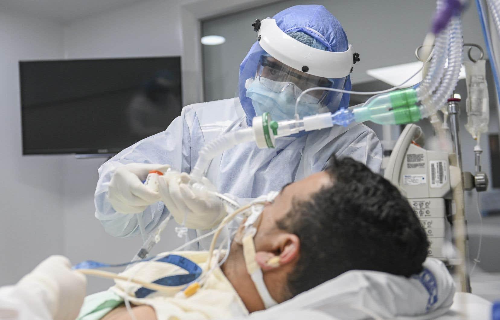 La pandémie de COVID-19 a mis en évidence l'importance des inhalothérapeutes et selon le président de l'OPIQ, si une décision n'est pas prise rapidement quant au rehaussement de la formation, «c'est le public qui risque d'en souffrir».