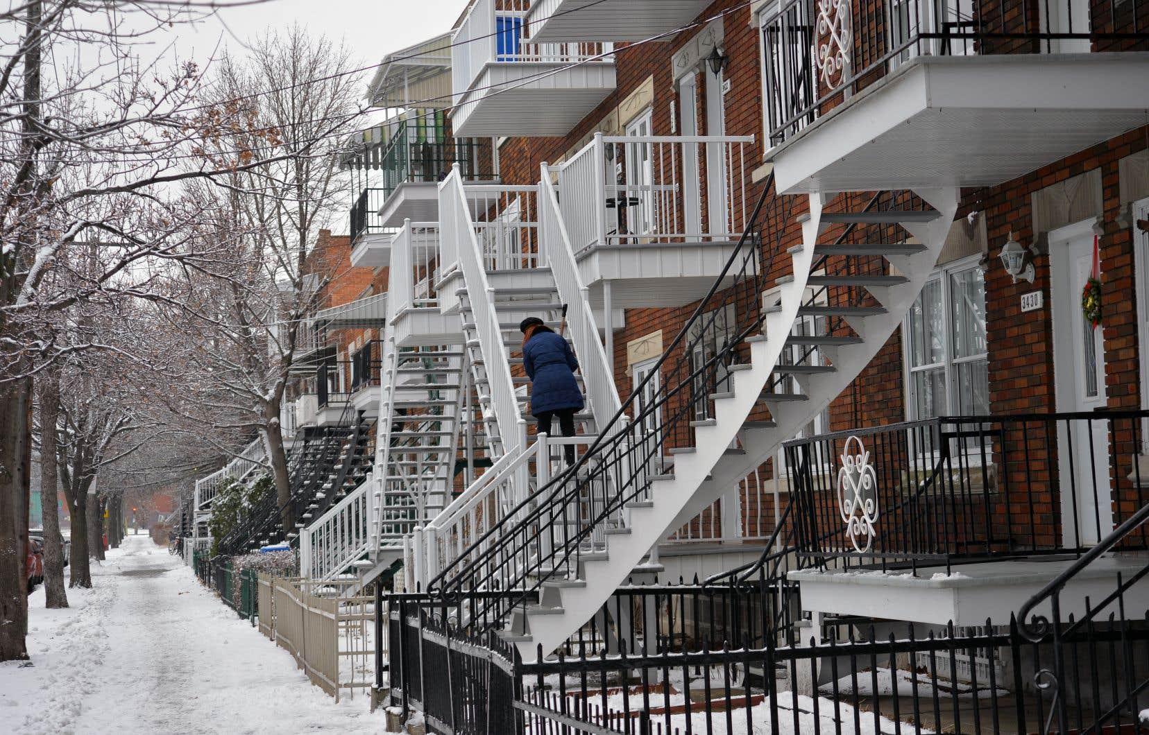 «Pour la Ville, la hausse de valeur se traduit par une hausse des revenus fonciers, sans qu'elle ait à augmenter ses services ou à construire des infrastructures pour accueillir davantage de résidents», écrit l'auteur.