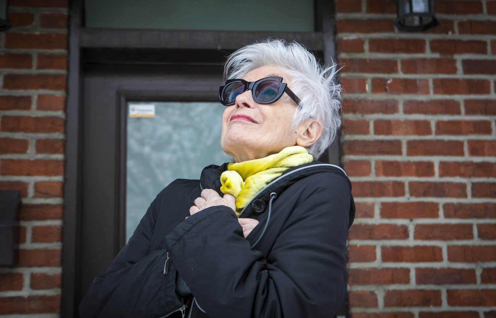 La comédienne Louise Latraverse a fait sa déclaration choc à l'émission «En direct de l'univers», le 31 décembre, lorsque l'animatrice, France Beaudoin, a demandé à ses invités de quoi la COVID ne viendra pas à bout.