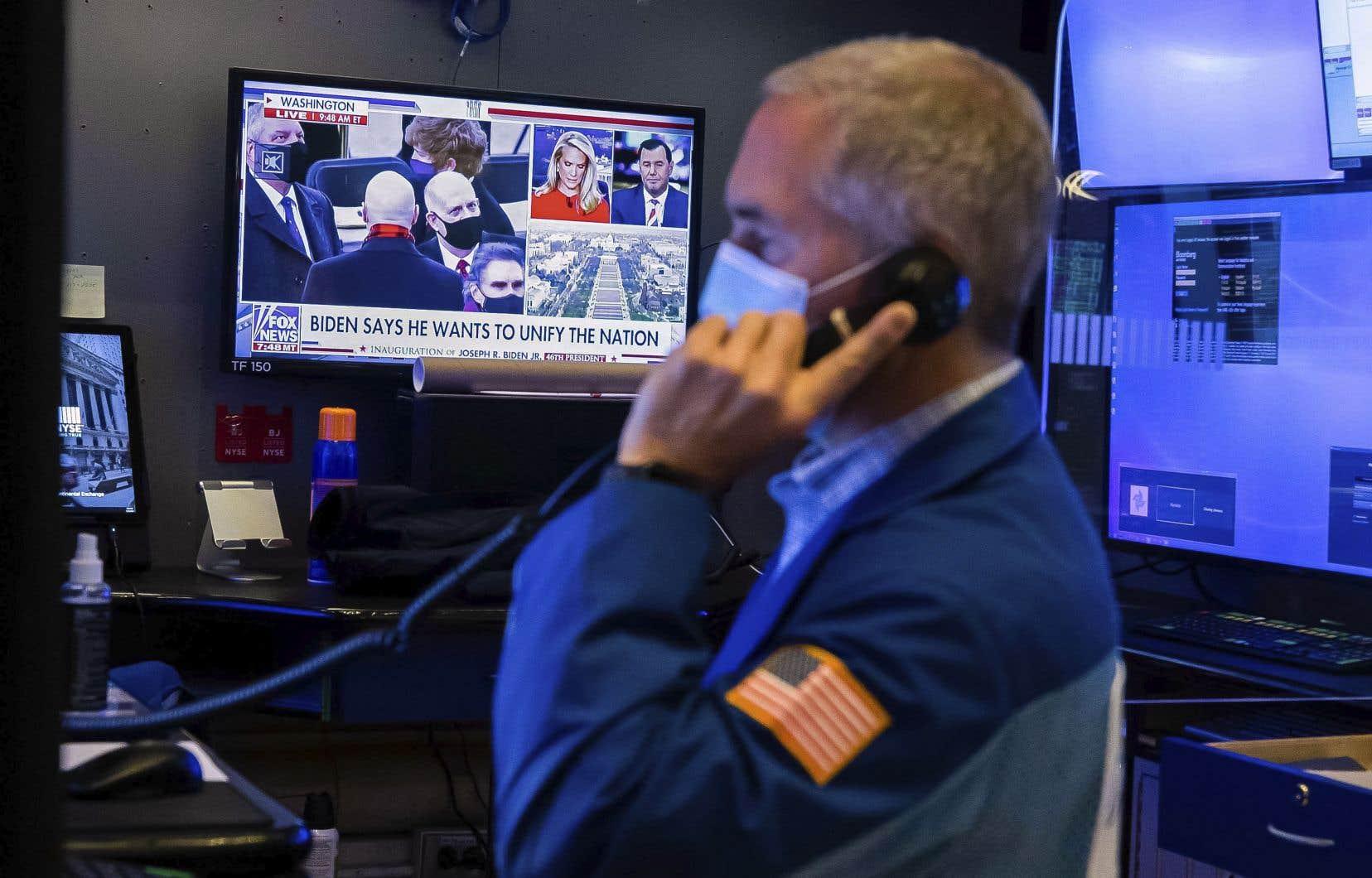 Avec le nouveau gouvernement américain, le marché anticipe un ambitieux plan de relance budgétaire, comme s'y est engagé le président Joe Biden, qui veut débloquer d'urgence 1900milliards de dollars supplémentaires.