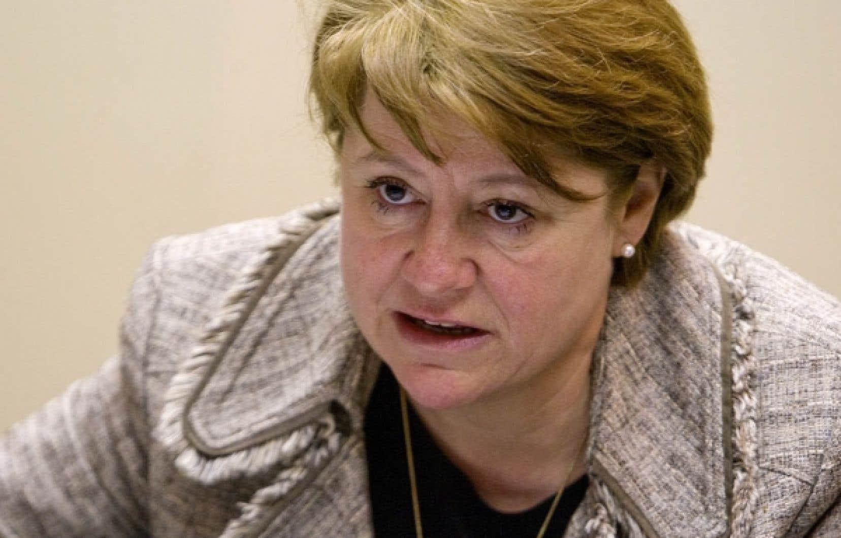 La présidente du CSF, Christiane Pelchat, souhaite une réflexion nationale sur la laïcité de l'État.<br />
