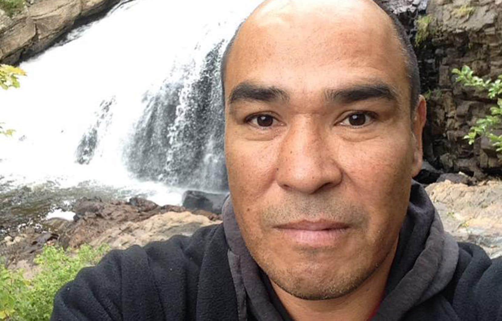 L'homme de 51ans, qui est mort de froid dans les rues de Montréal ce week-end, n'était pas qu'un itinérant. C'était d'abord et avant tout un homme généreux, débrouillard, qui ne tenait pas en place mais qui rêvait de trouver la stabilité et de fonder une famille, racontent ses proches.