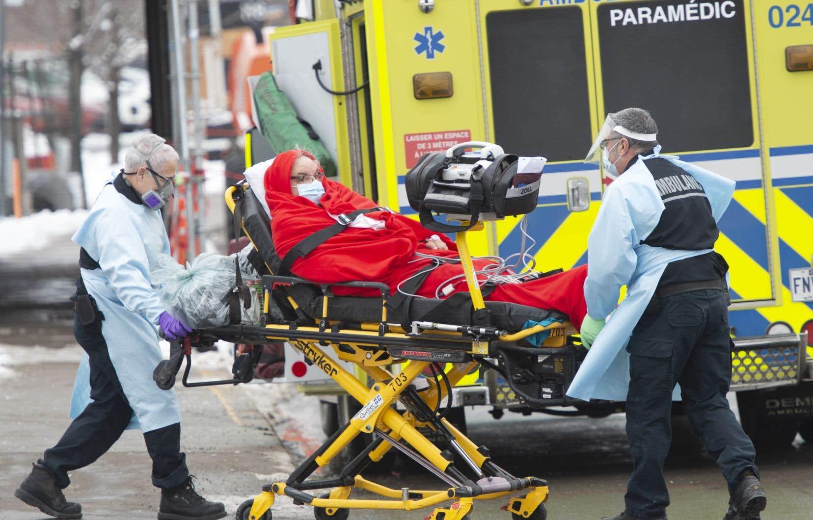 L'analyse de l'étude COLCORONA a démontré que la colchicine avait «entraîné des réductions des hospitalisations de 25%, du besoin de ventilation mécanique de 50%, et des décès de 44%».